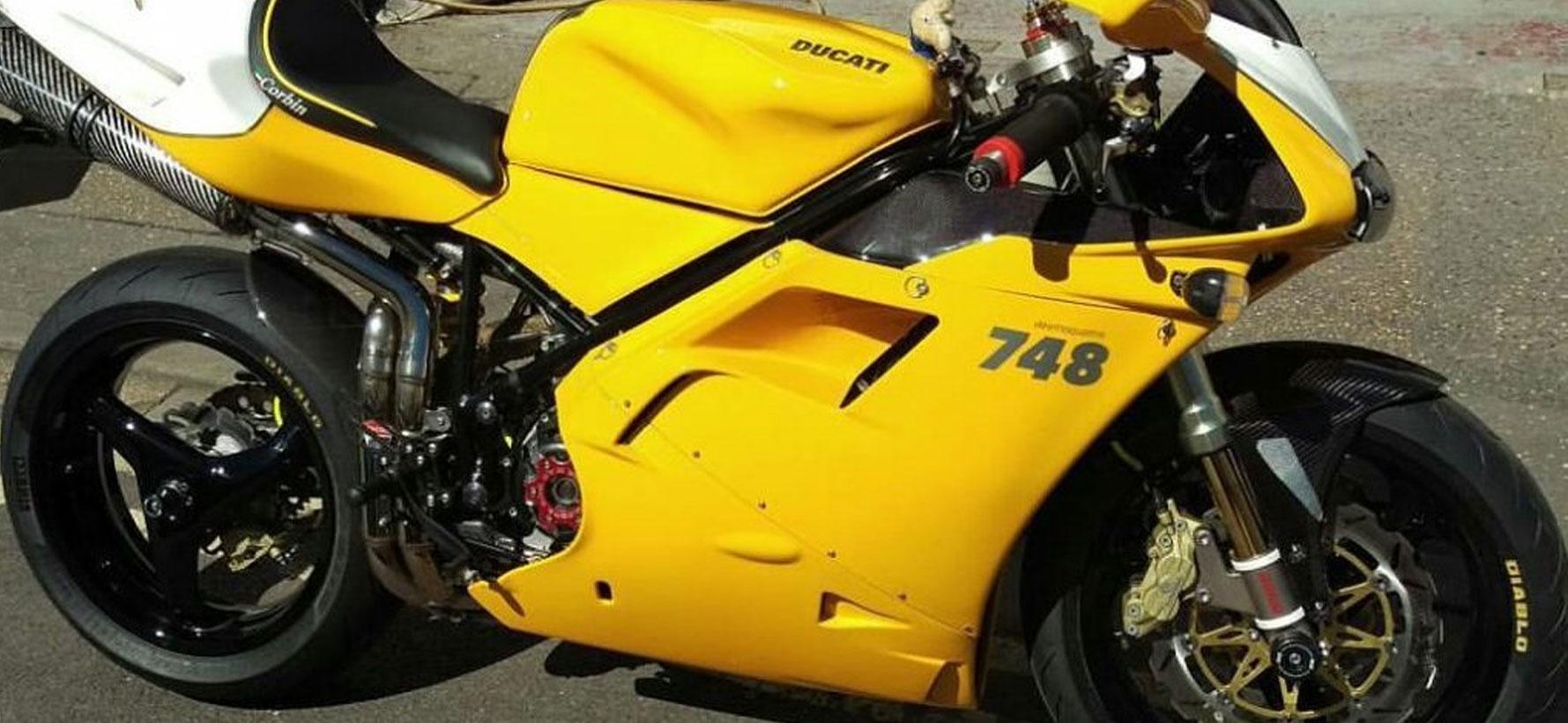 Ducati-748-Side